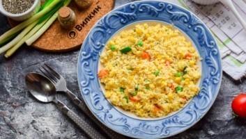 Рис по-тайски с яйцом