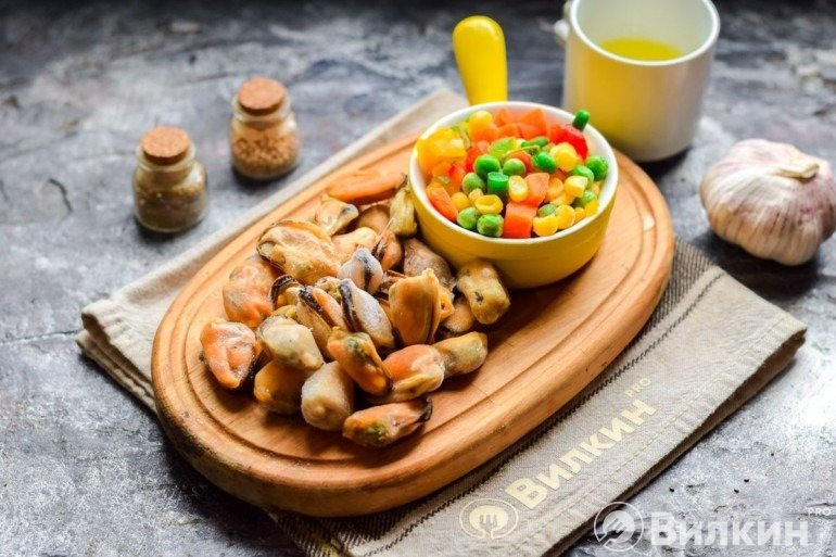 Овощи и мидии