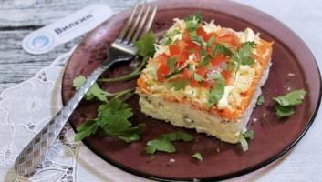 Салат с лососем консервированным