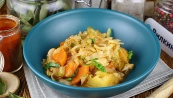Солянка с капустой и картошкой