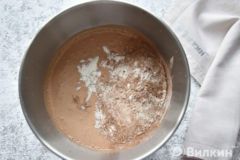 Засыпка муки с какао
