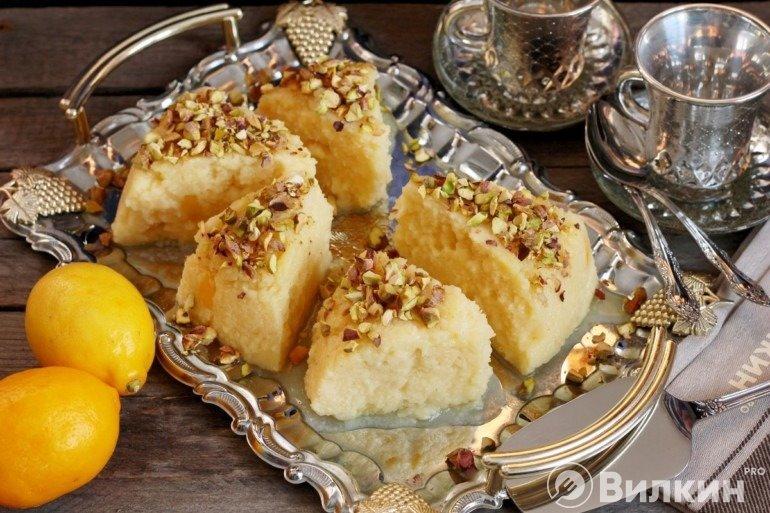 Нарезка и подача десерта