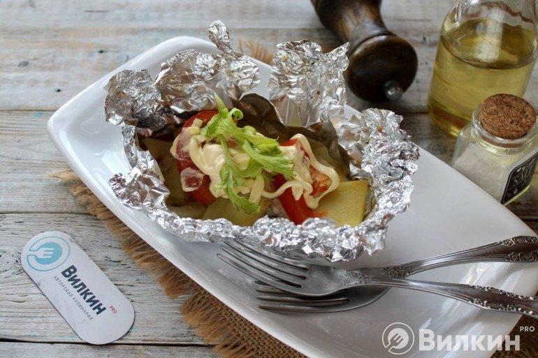 Горбуша с овощами в фольге в духовке