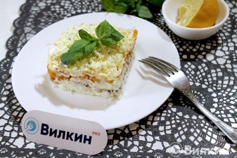 Салат «Мимоза» с горбушей и сыром