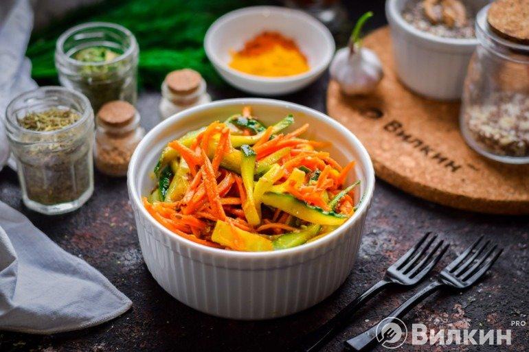 Огурцы по-корейски с морковью