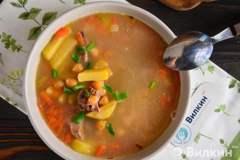 Суп с нутом и говядиной