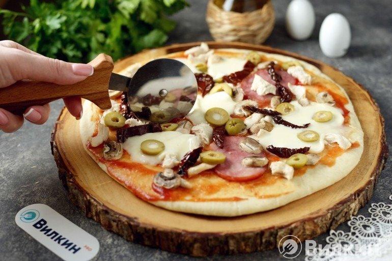 Домашняя пицца на скорую руку