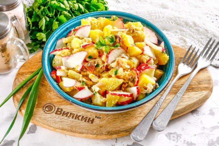 Салат из скумбрии горячего копчения