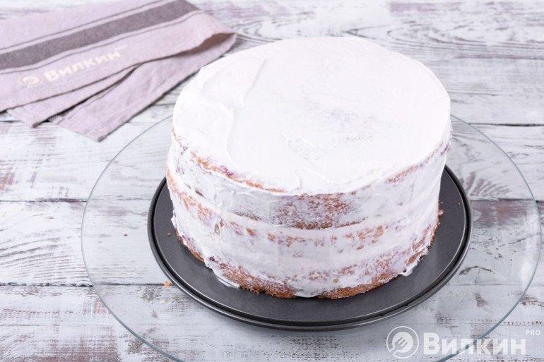 Обмазывание всех сторон торта