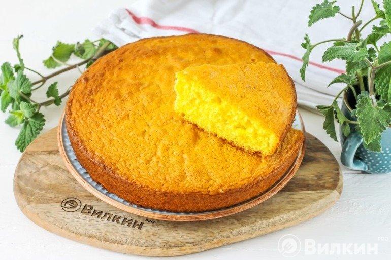Кусочек ванильного бисквита
