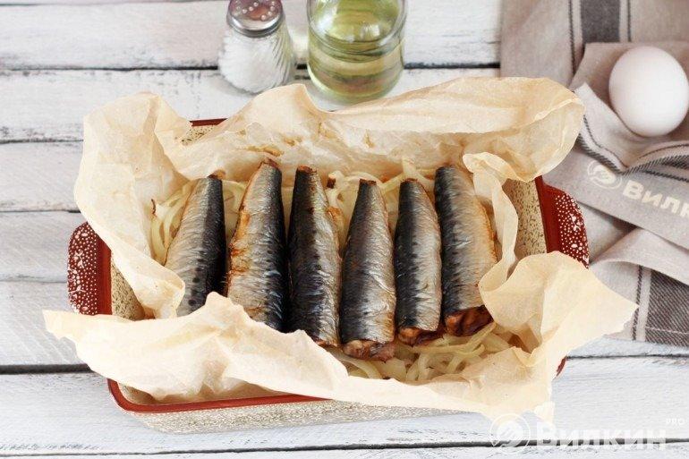 Запеченная рыба с луком