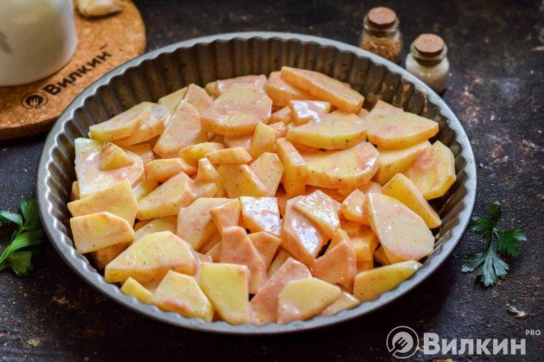 Выкладка картошки в форму