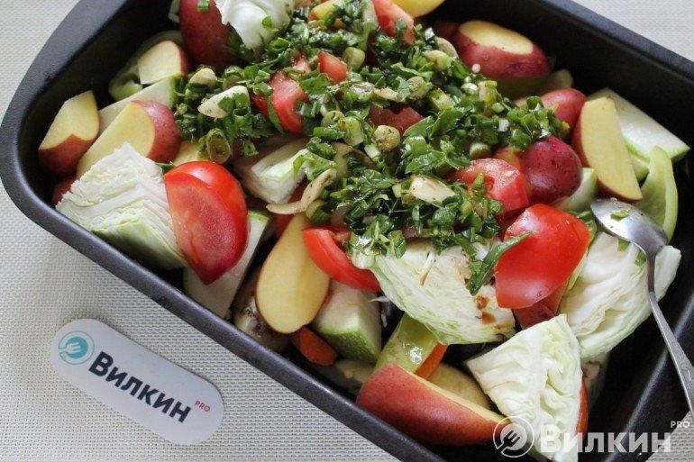 Заливка овощей пряной смесью