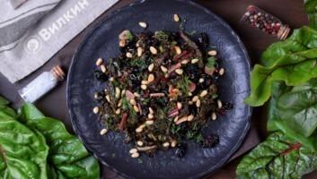 Гарнир из мангольда с кедровыми орешками и изюмом