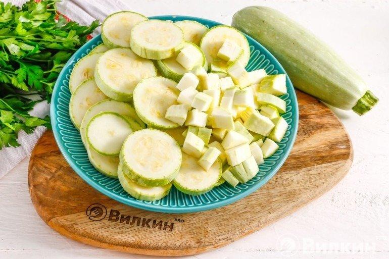 Нарезанные плоды