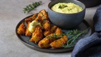 Картофель по-деревенски под сырным соусом