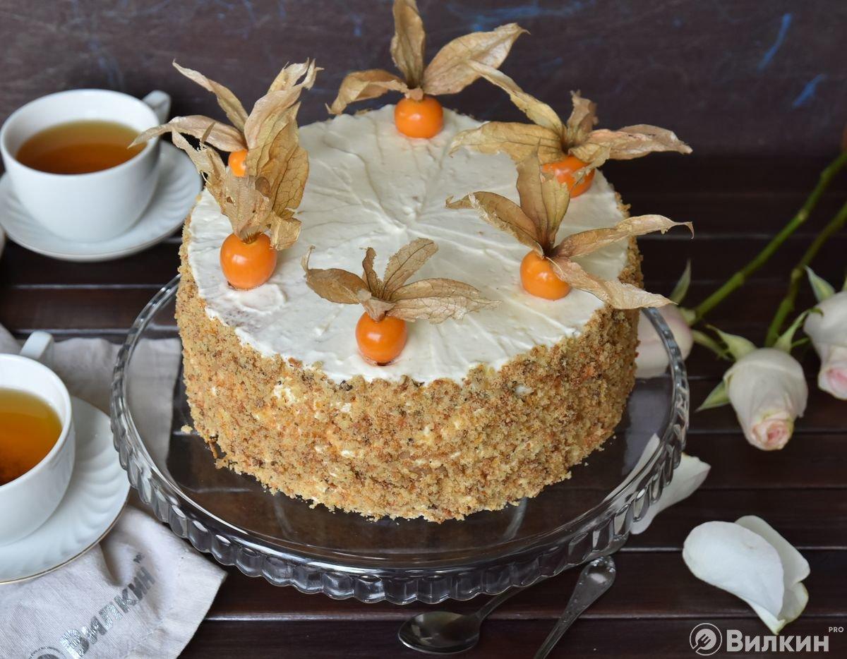 Торт из моркови с орехами