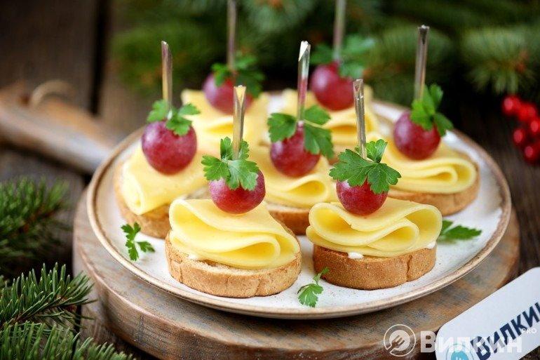 Подача праздничной закуски