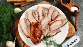 Свиная грудинка в рукаве в духовке