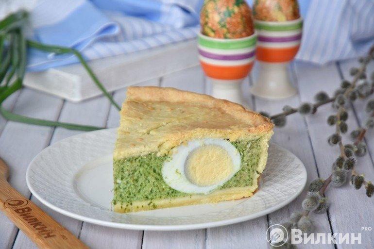 Итальянский пасхальный пирог «Паскуалина» со шпинатом и яйцом