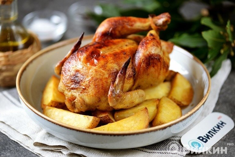 Курица с картошкой на противне в духовке