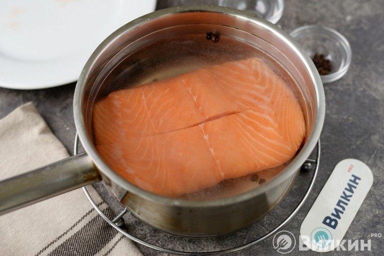 Закладка лосося в рассол