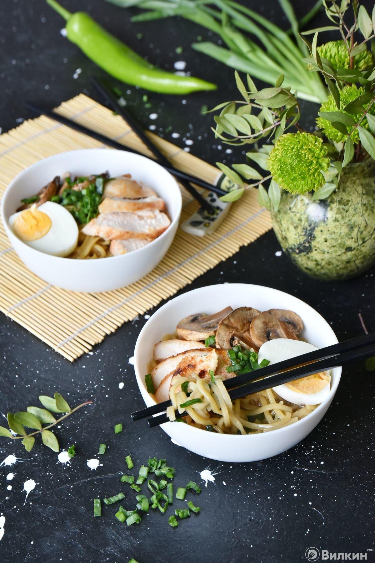 Суп-лапша по-японски