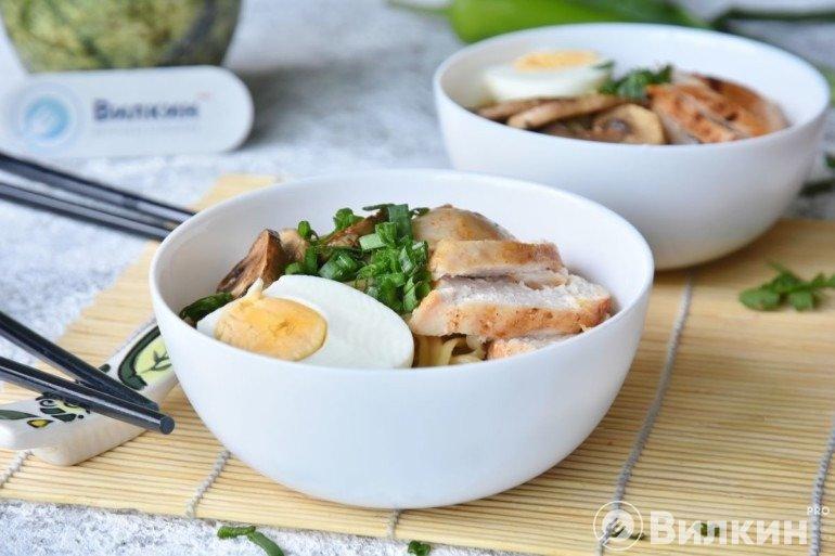 Готовый суп-лапша с грибами