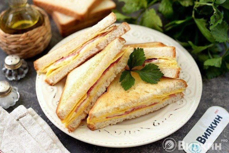 Гренки с начинкой на завтрак
