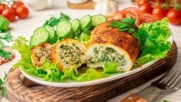 Куриная грудка с творогом и зеленью в духовке