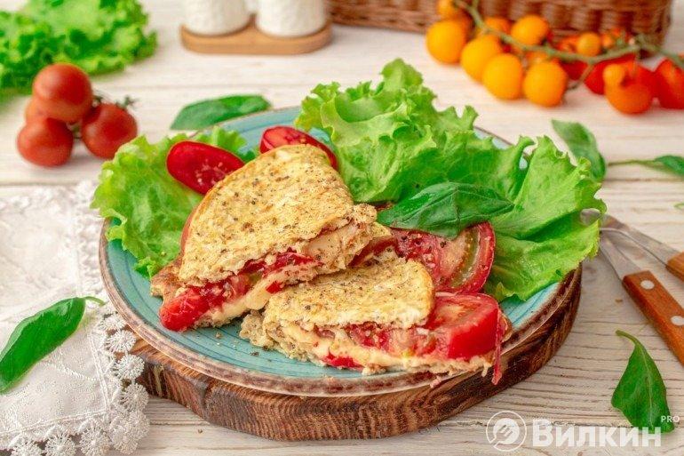 Овсяноблин с сыром и томатами на завтрак