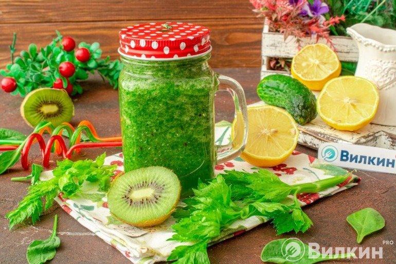 Диетический зеленый напиток