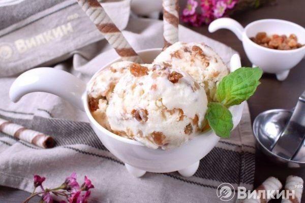 Мороженое с ромом